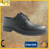 黒い本革の熱い販売の安い憲兵のオフィスの靴