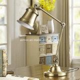 コレクションの使用法またはホテルの装飾的な鉄のFoldable枕元の閲覧机ランプのための電気スタンド