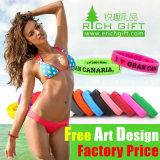 Moda personalizada de goma Impreso / realzó / Relieve / luminoso de silicona pulsera de la pulsera con el logotipo