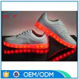 Le confort d'éclairage LED de mode d'OEM de la Chine folâtre des chaussures pour l'adulte