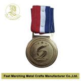 L'équitation faite sur commande de souvenir de récompense folâtre la médaille
