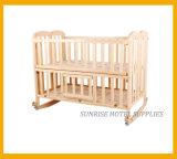 ホテルの安全木の折る赤ん坊のまぐさ桶のベビーベッド