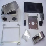 Piezas de la fabricación de metal de hoja el corte y doblando del laser