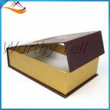 Rectángulo de regalo magnético de la cartulina con la ventana clara