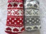 Due calzini delle donne ricamate cuore di colore
