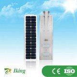 30W todo em uma luz de rua solar do diodo emissor de luz da parte superior