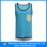 Ringendes Baumwollgymnastik-GroßhandelsTrägershirt des Unterhemdmens-100