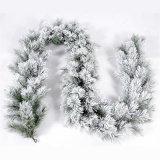 أبيض [هوت-سلّينغ] يحتشد يثلج [كريستمس تر] ضخمة اصطناعيّة مع [لد] ضوء