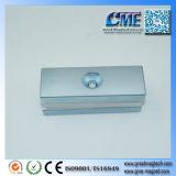 Eisen und Magnet in einem Dauermagnet sind die magnetischen Metalle