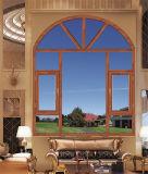 L'alluminio munisce la finestra di cardini con le griglie della decorazione