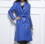 女性のための多彩で長い様式の本革のジャケット