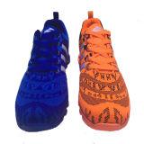 最後のデザイン高品質の方法人の運動靴のスニーカー