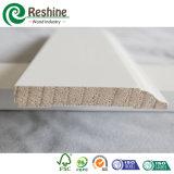 Modanatura di legno interno rivestito bianco del Baseboard