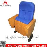 뒤 책상 Yj1614r를 가진 유럽식 형식 강당 의자