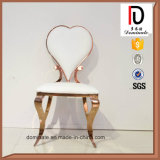 Стул венчания белой кожи стула гостиницы формы сердца золотистый