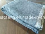 編まれたWoolen 50%Wool/50%Polyester Blended Emergency Refugee Blanket