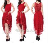 Женщины Pleat регулярно наслоили платье с безрукавный платьем шнурка