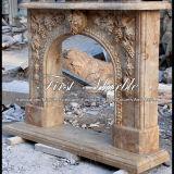 Camino di pietra di marmo Mfp-1021 del calcio dell'oggetto d'antiquariato del camino del granito