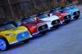MERCEDES-BENZ scherzt elektrisches Auto, Fahrt auf Auto, elektrische Spielwaren