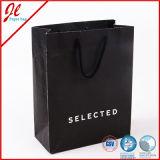 Бумажный мешок с мешком хозяйственной сумки ручки зеленым и относящим к окружающей среде