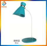 Der Jugend-Ausgaben-energiesparende LED installierte LED Birnen Schreibtisch-der Lampen-