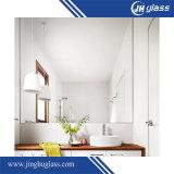 さまざまな形の家具ミラーおよび銅は放す