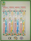 2017 neue Entwürfe der erwachsenen Zahnbürste mit Zunge-Reinigungsmittel