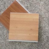 Деревянный цвет прокатывая потолок PVC кроет украшение черепицей Materirial дома внутреннее (RN-46)