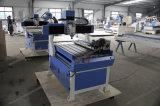 彫版のための小さく安い木CNCのルーター機械か彫刻家または切断または切り分ける価格