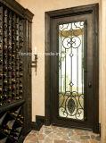 Portas superiores quadradas da porta do ferro feito únicas