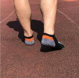 Einfacher Form-Entwurf Sports Breathable Mann-Baumwollsocken