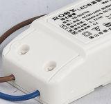 La integración aumentada LED de la versión 5W abajo se enciende