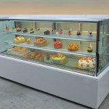 El refrigerador vertical del postre/de la torta para la sección de la panadería y se abre en el frente