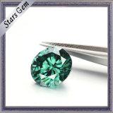 緑色の中心および矢のMoissaniteのダイヤモンド