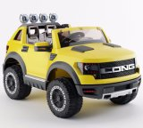 Paseo eléctrico de los cabritos superventas en el juguete del coche