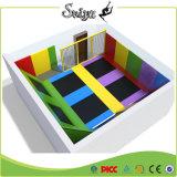 Grosse quadratische Kind-Innenhandelstrampoline für Miete