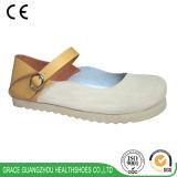Здоровье фиоритуры обувает ботинки отдыха женщин вскользь ботинок цветка