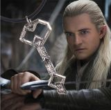 型リングの主Hobbitのカシの盾の宝物銀のキーのネックレス