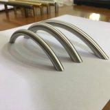 工場価格のステンレス鋼の家具の引出しのドレッサーの食器棚のハードウェアの引きのハンドル(C 001)