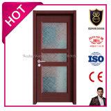 ルーマニアの様式によってアセンブルされる内部ドア