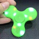 El más nuevo hilandero de la mano de la persona agitada de los juguetes del hilandero del dedo del altavoz LED de Bluetooth