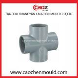 Moulage en plastique d'ajustage de précision de pipe de PVC de té d'injection