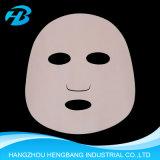 Le masque protecteur ou le massage facial facial de masque de Sakura composent des produits