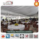 Tienda de lujo del banquete de boda para la venta con la decoración