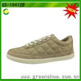 Greenshoeの卸し売り偶然の人は平らな余暇の靴の履物に蹄鉄を打つ
