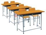 Escritorio y silla de madera del estudiante del doble de la sala de clase de la escuela primaria