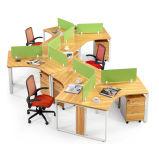 Stazione di lavoro modulare moderna del divisorio dell'ufficio dello scrittorio del personale con Pedastal