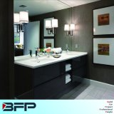 Cabinet anti-eau de salle de bain de peinture couleur lumineuse