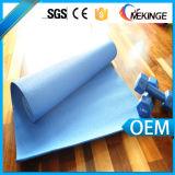 Le couvre-tapis de gymnastique de yoga le plus neuf avec la courroie de transport commodément