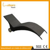 Напольный Lounger мебели патио сада предводительствует стул палубы ротанга пляжа плавательного бассеина